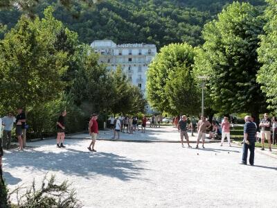 thermes-la-lechere-les-bains-parc-thermal