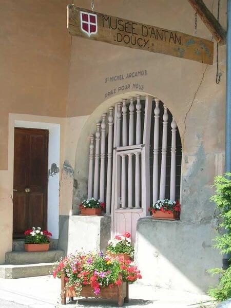 Musée d'antan de Doucy-Combelouvière (savoie)